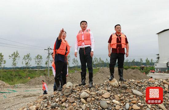 刘超赴三台游仙安州指导应急抢险工作