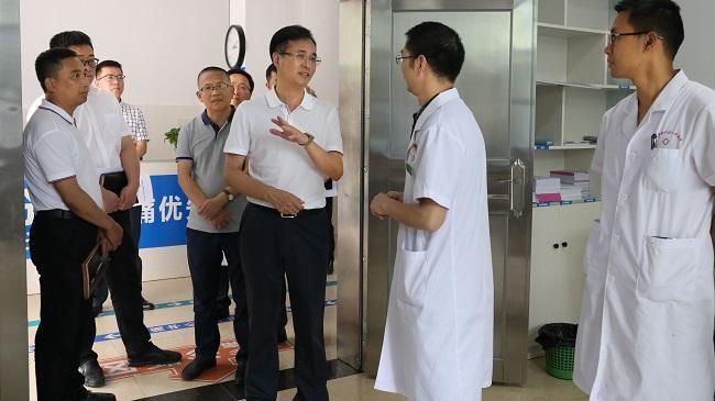 姚永红到区人民医院调研时强调 优织梦视频教程化就医环境 为群众提供加倍优质便捷的公众医疗办事